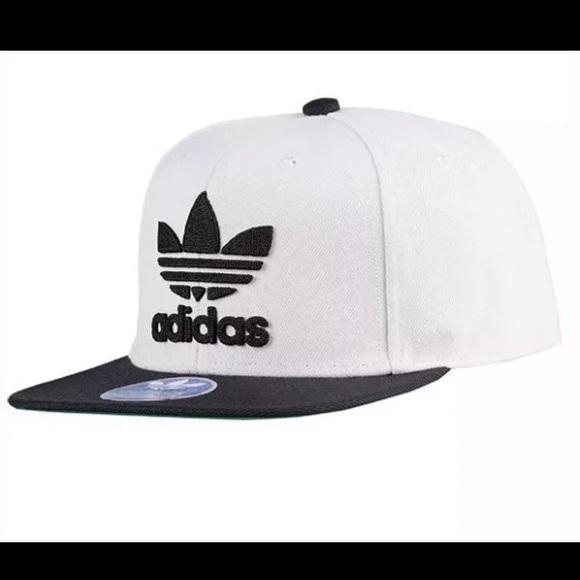 1e4e5712c Adidas SnapBack Cap NWT NWT